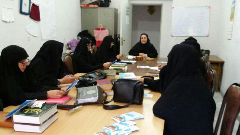 برگزاری کلاس آشنایی با عوامل سرطان و راههای پیشگیری از آن در کانون بانوان اجتماعی سمنان