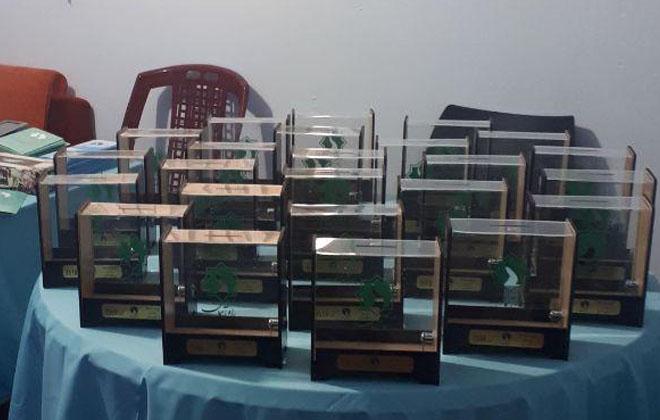 توزیع 600 صندوق رومیزی راه آسمان به همت کمیته قلک