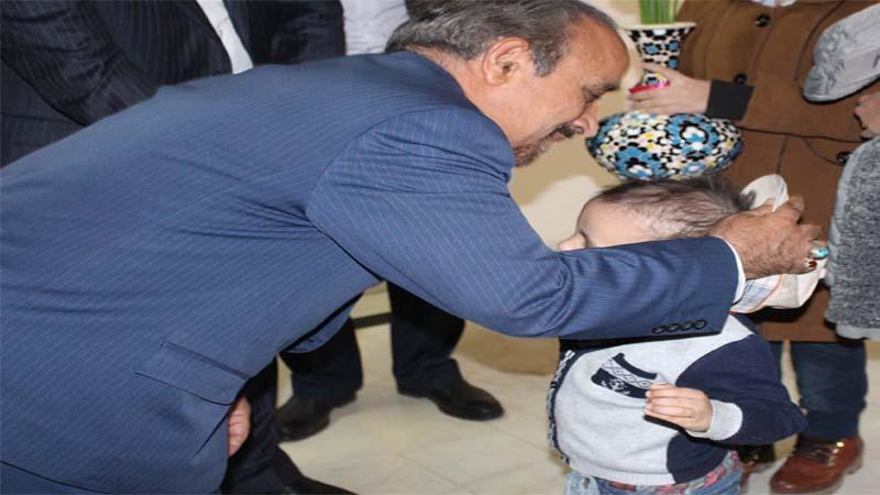 تقدیر از جناب آقای دکتر خباز توسط محمد طاها ، کودک سرطانی راه آسمان