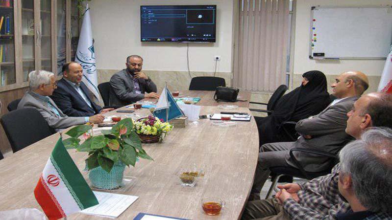 """بازدید آقای مهندس خسروی مسئول دفتر نمایندگی آستان قدس رضوی از موسسه """"راه آسمان"""" 10اردیبهشت 97"""