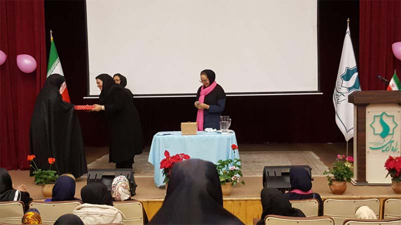 تجلیل از حضور یافتگان همایش ملی سرطان پستان و اهداء جوایز به برندگان مسابقه 26 مهر 97