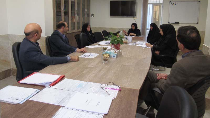 برگزاری جلسه مددکاری با حضور مددکاران افتخاری راه آسمان به منظور بررسی و سطح بندی پرونده ها 2 آبان