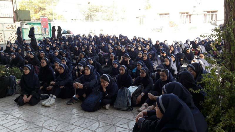 برگزاری جلسه آموزشی توسط راه آسمان در مدرسه دخترانه نخبگان سمنان 10 مهر 97