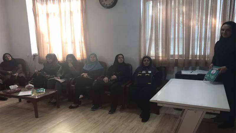 برگزاری جلسه آموزشی توسط راه آسمان باری معلمان مدرسه دخترانه نیمه شعبان