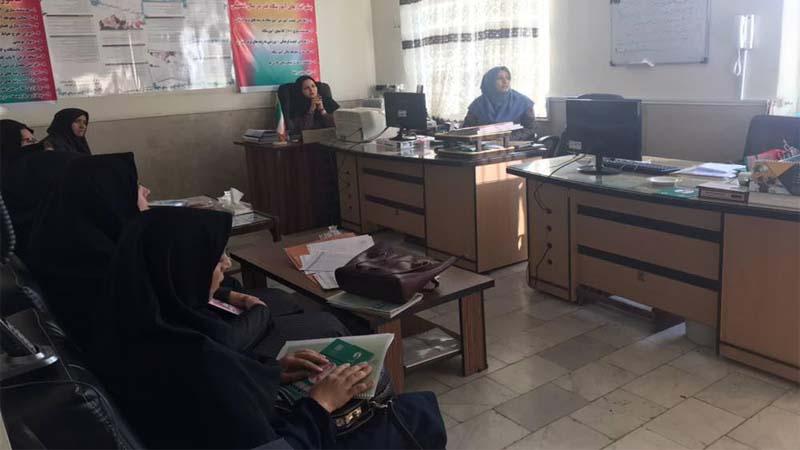 برگزاری جلسه آموزشی توسط خانم دکتر علی نیا در مدرسه دخترانه قدر  97/7/16