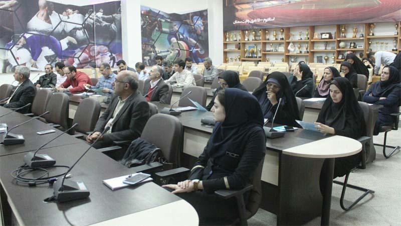 برگزاری جلسه آموزش و پیشگیری از سرطان در اداره ورزش 1397/8/27