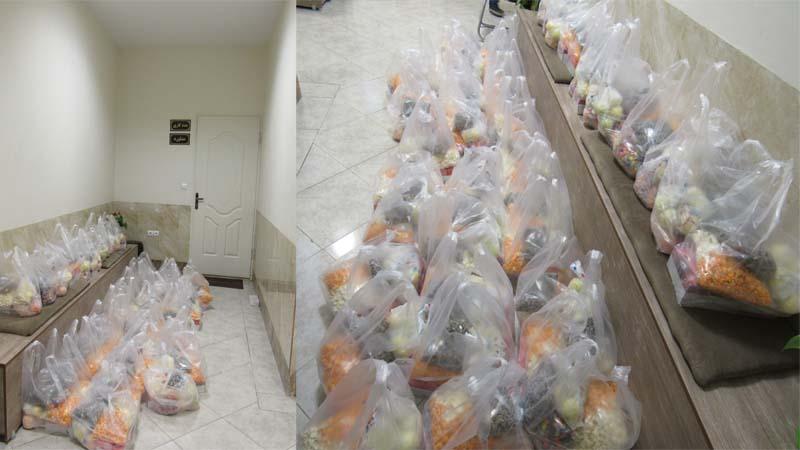 آماده سازی بسته های یلدایی خانواده های محترم تحت پوشش در موسسه نیکوکاران راه آسمان 1397/9/28