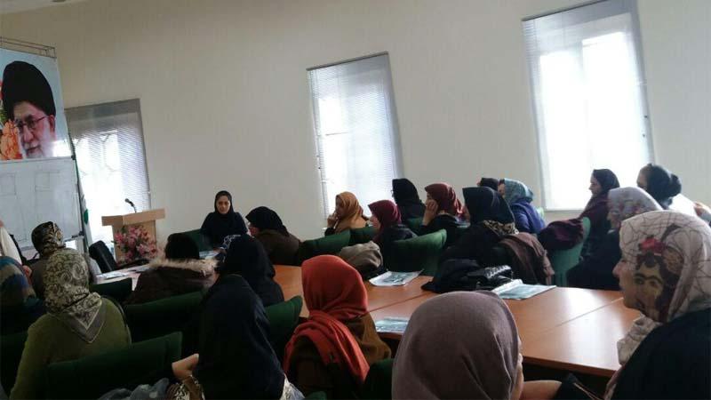 برگزاری دومین جلسه آموزشی راه آسمان در کانون بازنشستگان استان سمنان