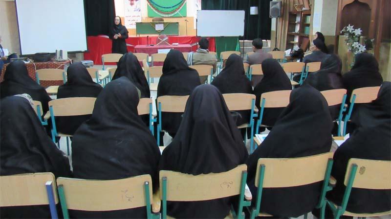 جلسه آموزشی راه آسمان در مدرسه پسرانه تلاش با حضور اولیاء دانش آموزان 1397/11/7