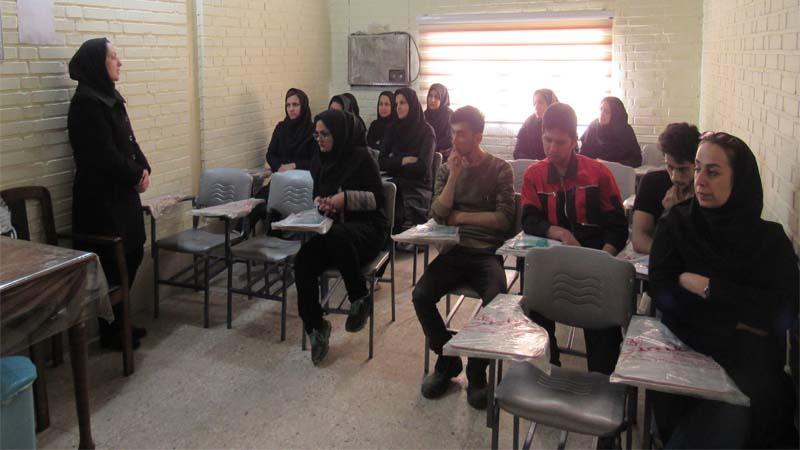 حضور مدرسان افتخاری راه آسمان در کارخانه چاپ حریر   1397/10/19