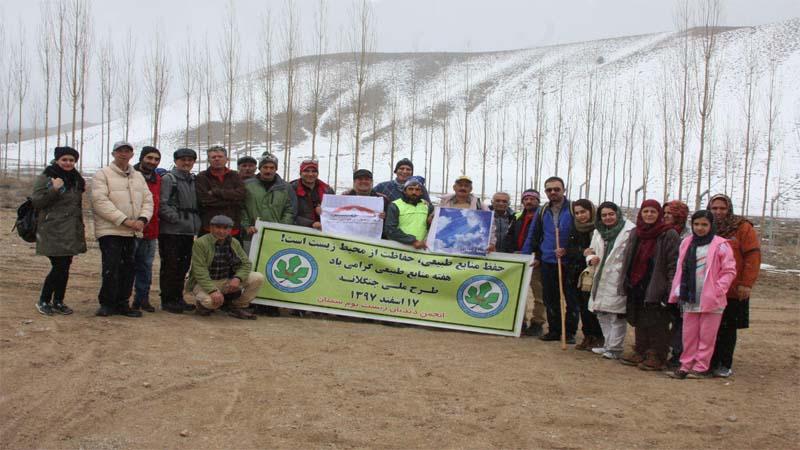 روز درخت کاری و حضور گروه های کوهنوردی از جمله همنوردان راه آسمان و کاشت بذر در منطقه پرور