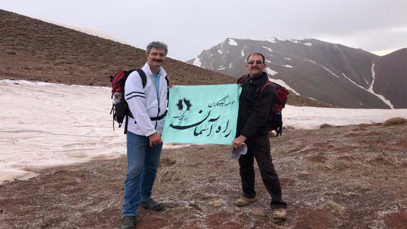 گزارش تصویری از  کوهپیمایی گروه همنوردان راه آسمان در ارتفاعات شهمیرزاد  1398/1/23