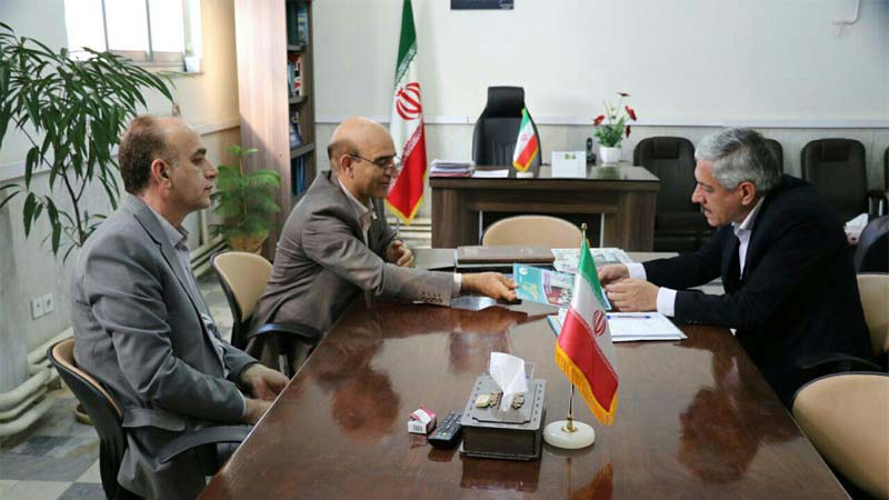 دیدار رییس هیأت مدیره و مدیرعامل بنیاد نیکوکاران راه آسمان با دکتر احمد همتی