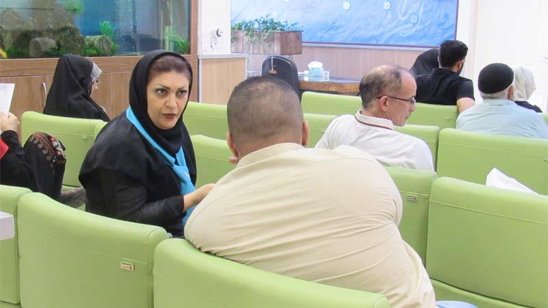 میزخدمت با حضور خانم نوری در مرکز پزشکی هسته ای راه آسمان در نخستین سالگرد افتتاح مرکز
