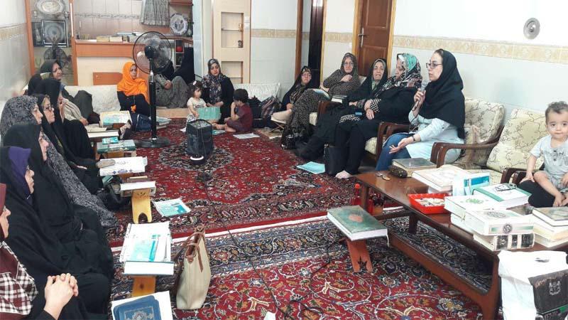 بنیاد نیکوکاران راه آسمان در ماه مبارک رمضان جلسه ی آموزشی در محفل قرآنی خانگی برگزار کرد.