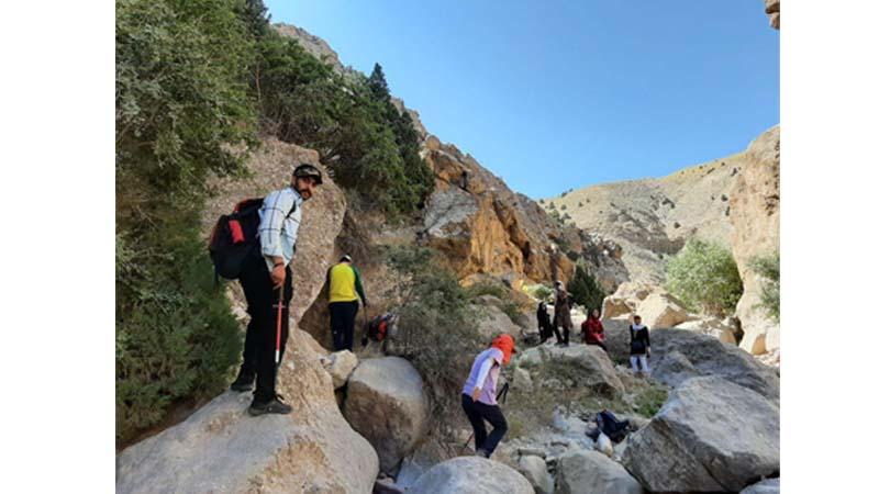 گزارش تصویری از گشت و گذار گروه همنوردان راه آسمان در منطقه چاشم و تنگه ملا ممد
