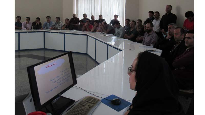 برگزاری کارگاه آموزشی راه آسمان در کارخانه ی نورد و لوله ی استان