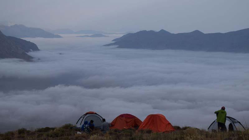 گزارش تصویری از پیمایش و شب مانی قله سیاه کوه گروه همنوردان راه آسمان