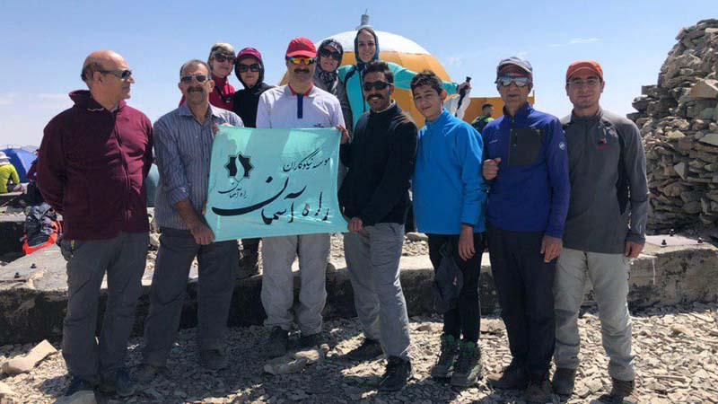 صعود به قله توچال توسط گروه همنوردان راه آسمان