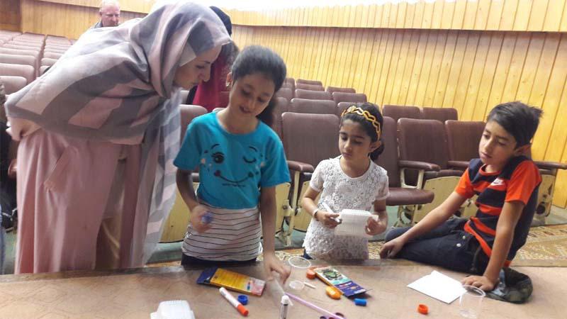 کارگاه مثبت اندیشی ویژه ی خانواده ی مددجویان راه آسمان در سمنان