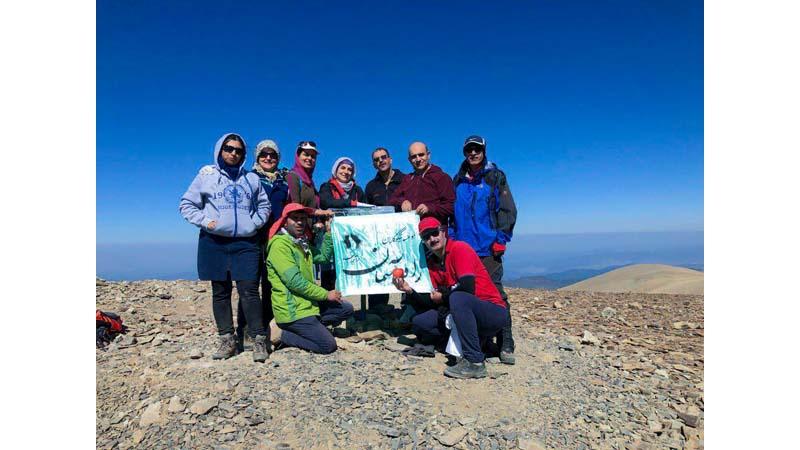 صعود همنوردان راه آسمان به قله نیزوا، دومین قله بلند استان سمنان جمعه ۹۸/۷/۱۹