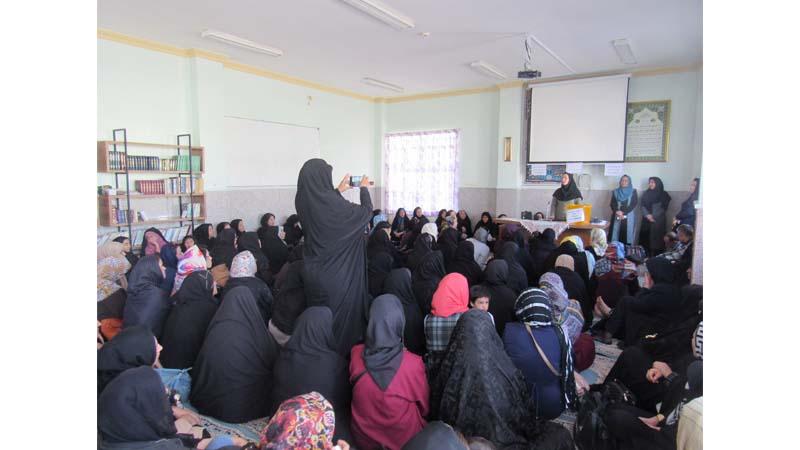 برگزاری کارگاه آموزشی راه آسمان برای اولیاء دانش آموزان مدرسه دخترانه قدر
