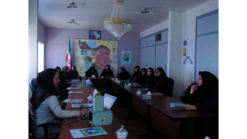 آموزش پیشگیری از سرطان به کارکنان مرکز تحقیقات سازمان جهاد کشاورزی استان