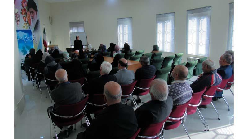 """""""برگزاری کارگاه آموزشی راه آسمان در کانون بازنشستگان"""""""