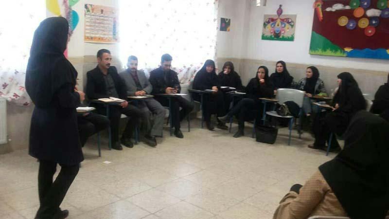 برگزاری دومین جلسه مهارتهای دهگانه راه آسمان ویژه ی انجمن علمی معلمان استان سمنان