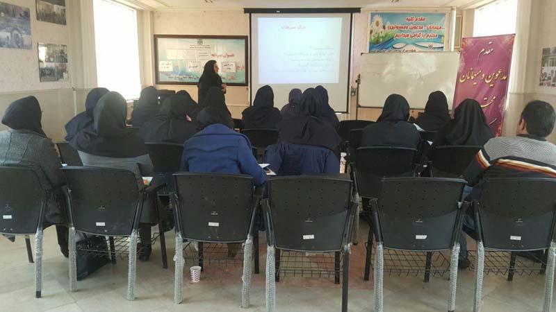 برگزاری دومین جلسه آموزشی سرطان دستگاه های گوارش در شبکه بهداشت و درمان مهدیشهر
