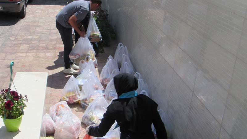 ارسال سبد های حمایتی ماه مبارک رمضان برای خانواده های تحت پوشش بنیاد در دامغان