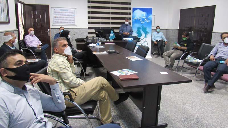 جلسه آموزشی راه آسمان با حفظ پروتکل های بهداشتی برای پرسنل اداره راه آهن سمنان