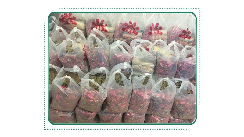 تهیه ۱۰۵ بسته ی یلدایی برای خانواده های عزیز مبتلا به سرطان تحت پوشش بنیاد