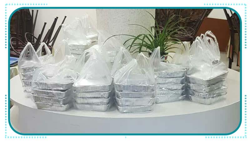 توزیع اولین افطاری ماه رمضان بین خانواده های تحت پوشش بنیاد راه آسمان